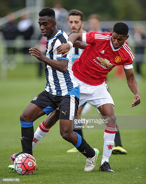 Gideon AduPeprah of Newcastle United controls the ball whilst being challenged by Manchester United's Marcus Rashford during the Under 18 Barclays...