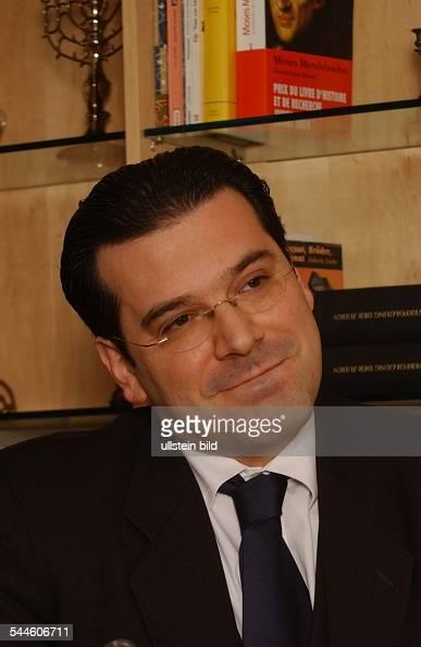 Gideon Joffe - Bilder und Fotos - gideon-joffe-vorsitzender-der-jdischen-gemeinde-zu-berlin-picture-id544606711?s=594x594
