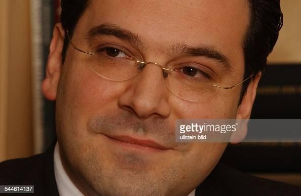 <b>Gideon Joffe</b> - Bilder und Fotos - gideon-joffe-vorsitzender-der-jdischen-gemeinde-zu-berlin-picture-id544614137?s=594x594