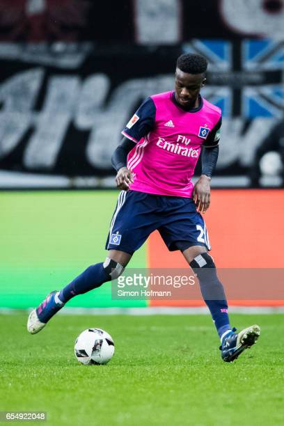 Gideon Jung of Hamburg controls the ball during the Bundesliga match between Eintracht Frankfurt and Hamburger SV at CommerzbankArena on March 18...