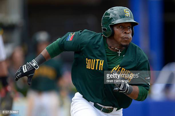 Gift Ngoepe of South Africa runs to first base during the World baseball Classic Final match between Australia and South Africa at Blacktown...