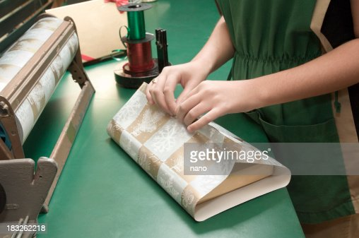 gift wrapping-retail