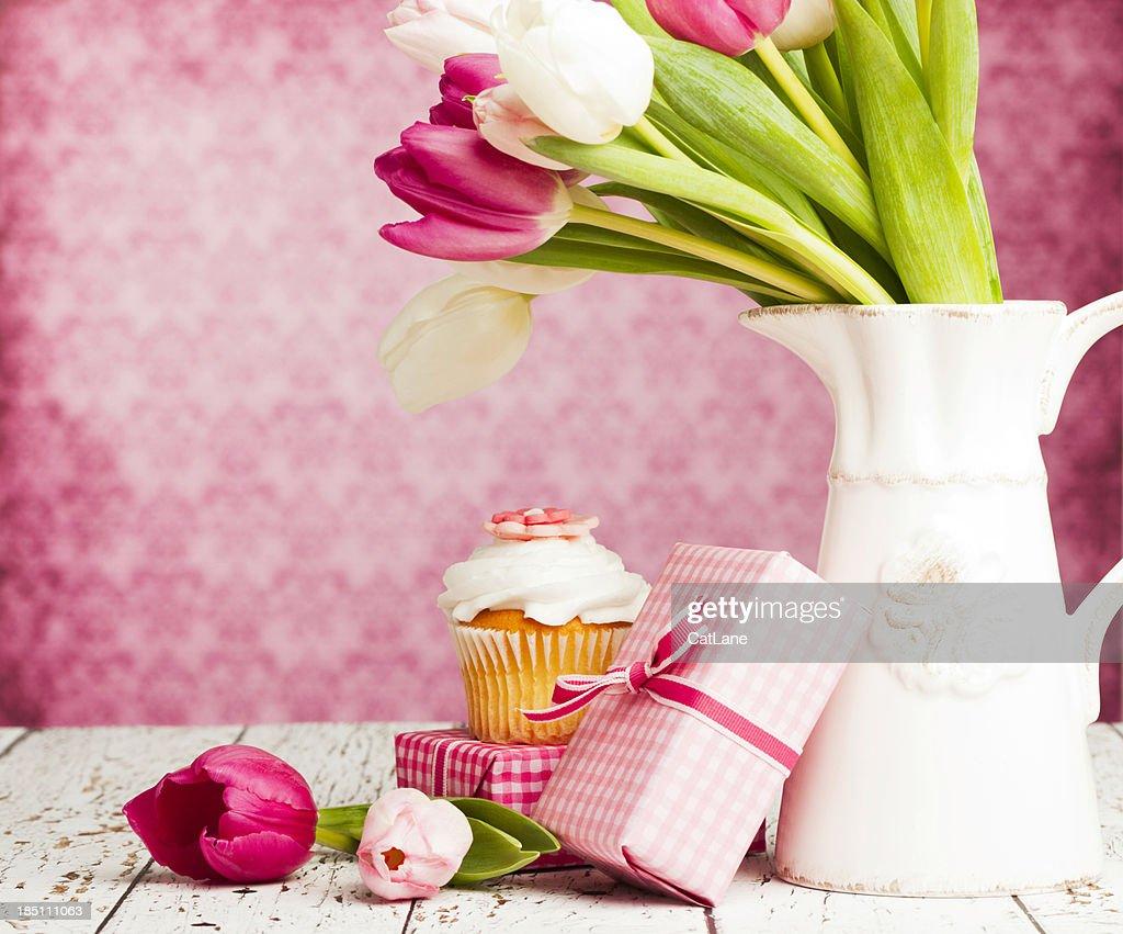 Geschenke zum Muttertag oder Geburtstagsfeiern : Stock-Foto
