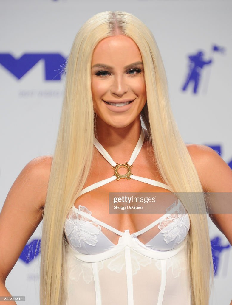 Gigi Gorgeous arrives at the 2017 MTV Video Music Awards at The Forum on August 27, 2017 in Inglewood, California.