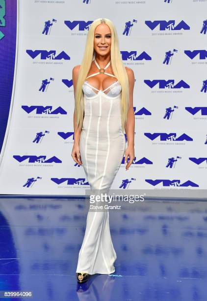Gigi Gorgeous attends the 2017 MTV Video Music Awards at The Forum on August 27 2017 in Inglewood California
