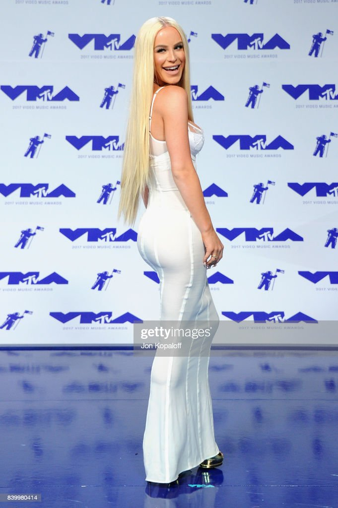 Gigi Gorgeous attends the 2017 MTV Video Music Awards at The Forum on August 27, 2017 in Inglewood, California.