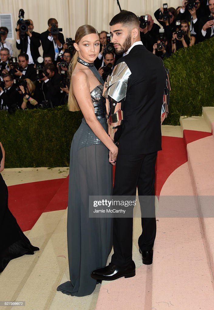 Gigi Hadid (L) and Zayn Malik attend the 'Manus x Machina: Fashion In An Age Of Technology' Costume Institute Gala at Metropolitan Museum of Art on May 2, 2016 in New York City.