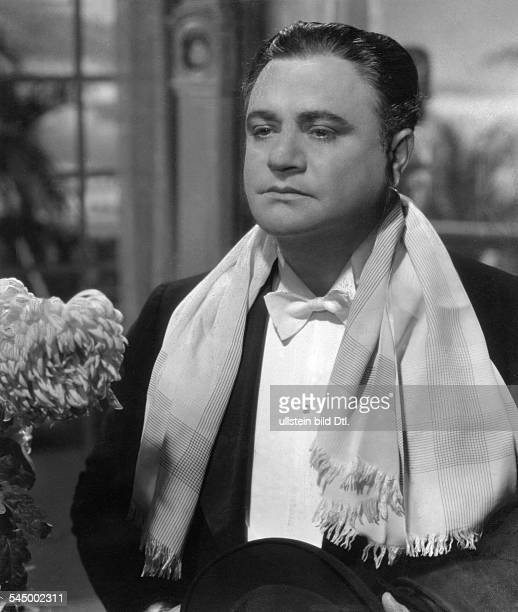 Gigli Beniamino Opera singer actor Italy *20031890 Scene from the movie 'Die Stimme des Herzens' Directed by Karl Heinz Martin Germany 1937 Produced...