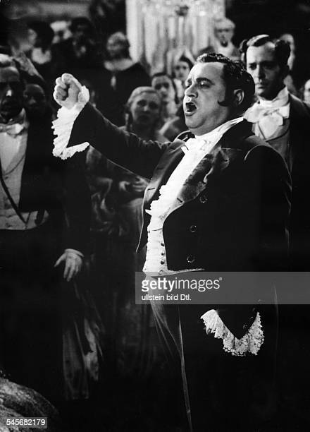 Gigli Beniamino Opera singer actor Italy *20031890 Scene from the movie 'Ave Maria' Directed by Johannes Riemann Germany / Italy 1936 Produced by...