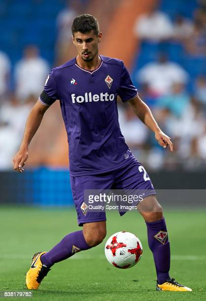 Gil Dias of Fiorentina in action during the Trofeo Santiago Bernabeu match between Real Madrid and ACF Fiorentina at Estadio Santiago Bernabeu on...