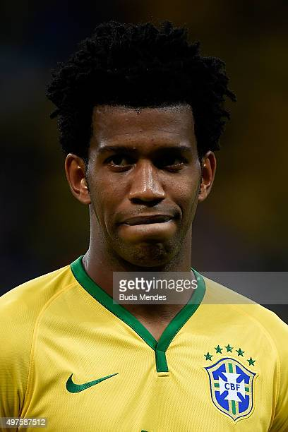 Gil of Brazil looks on before a match between Brazil and Peru as part of 2018 FIFA World Cup Russia Qualifiers at Arena Fonte Nova on November 17...