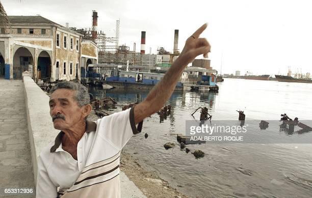 Gilberto Bargas tripulante de una de las embarcaciones de pasajeros que cubren el trayecto entre la ciudad de La Habana y los poblados costeros de...