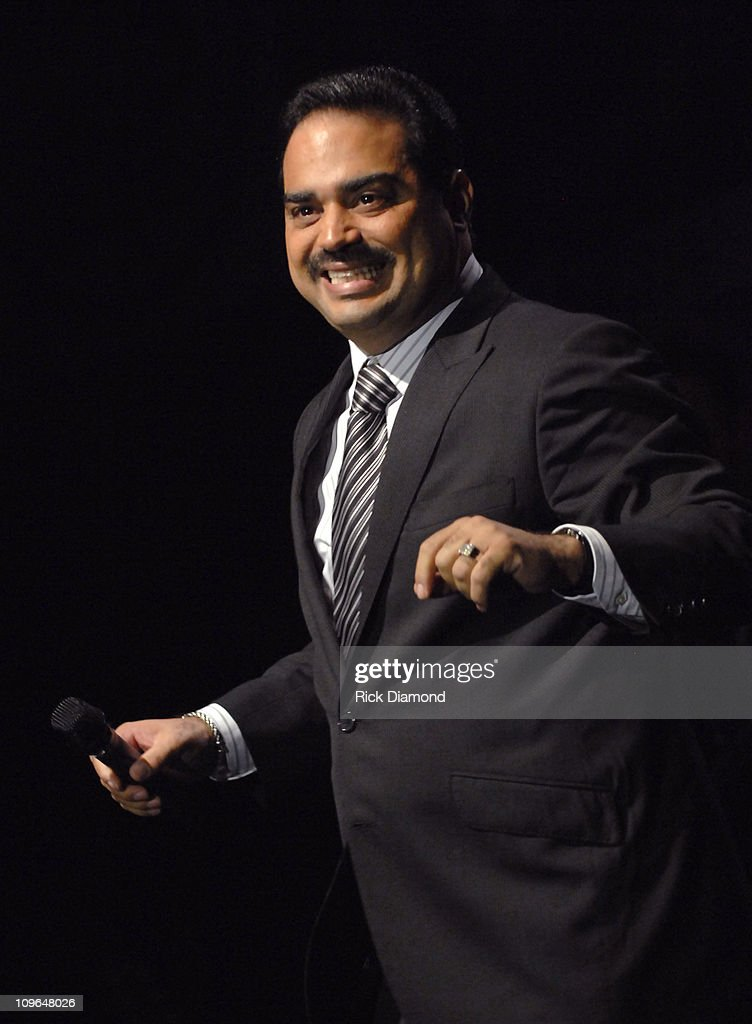 Gilberto Santa Rosa performs 'Lola Lola' during 2006 Latin Recording Academy Person of The Year Honoring Ricky Martin Show at Sheraton Hotel in New...
