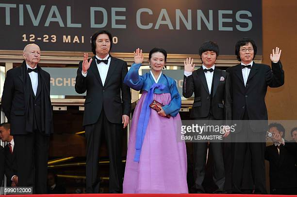 Gilles Jacob Joondong Lee David Lee Junghee Yun and Changdong Lee at the premiere of Poetry during the 63rd Cannes International Film Festival
