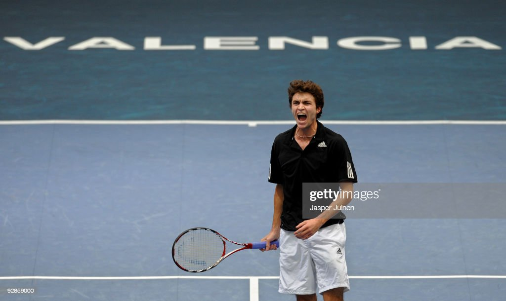 <a gi-track='captionPersonalityLinkClicked' href=/galleries/search?phrase=Gilles+Simon&family=editorial&specificpeople=548968 ng-click='$event.stopPropagation()'>Gilles Simon</a> of France reacts during his quarter final match against Mikhail Youzhny of Russia during the ATP 500 World Tour Valencia Open tennis tournament at the Ciudad de las Artes y las Ciencias on November 6, 2009 in Valencia, Spain. Youzhny won the match in two sets, 6-4 and 6-4.
