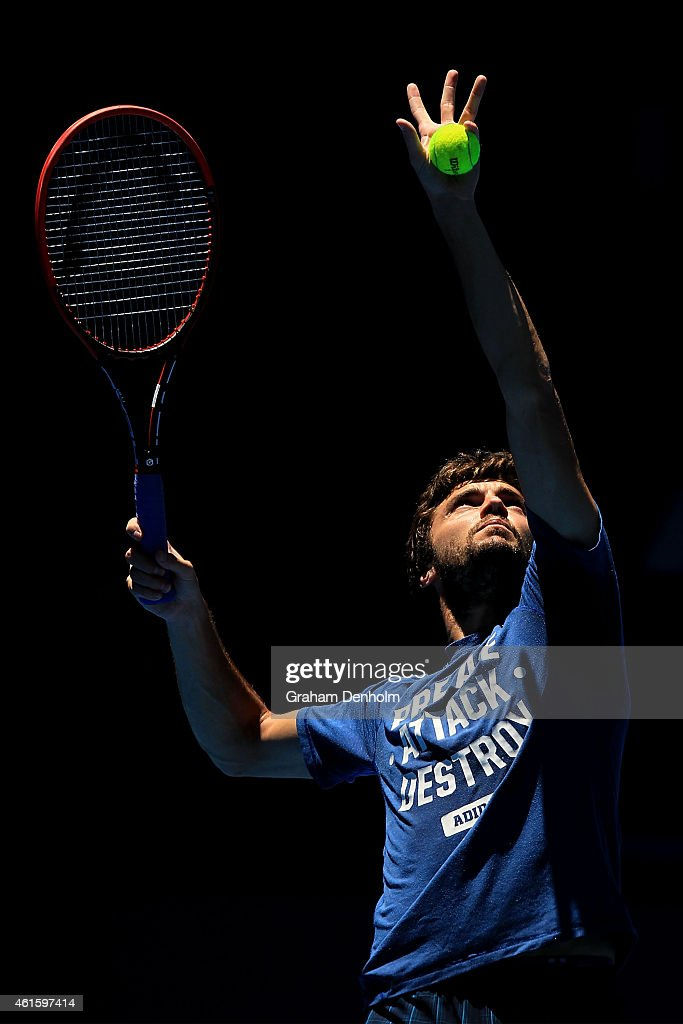 <a gi-track='captionPersonalityLinkClicked' href=/galleries/search?phrase=Gilles+Simon&family=editorial&specificpeople=548968 ng-click='$event.stopPropagation()'>Gilles Simon</a> of France serves during a practice session ahead of the 2015 Australian Open at Melbourne Park on January 16, 2015 in Melbourne, Australia.