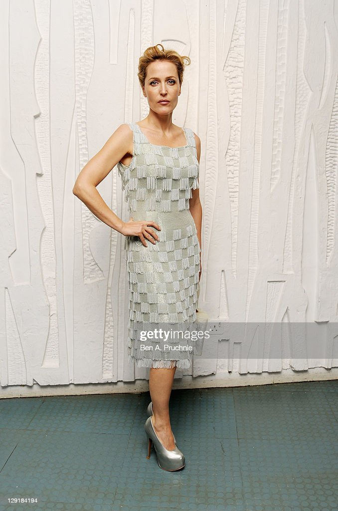 <a gi-track='captionPersonalityLinkClicked' href=/galleries/search?phrase=Gillian+Anderson&family=editorial&specificpeople=202894 ng-click='$event.stopPropagation()'>Gillian Anderson</a> arrives at the Calvin Klein Collection Dinner to Celebrate the new home of London's Design Museum at The Design Museum on October 13, 2011 in London, England.
