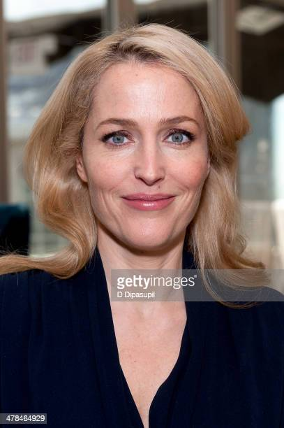 Gillian Anderson visits 'Extra' on March 13 2014 in New York City