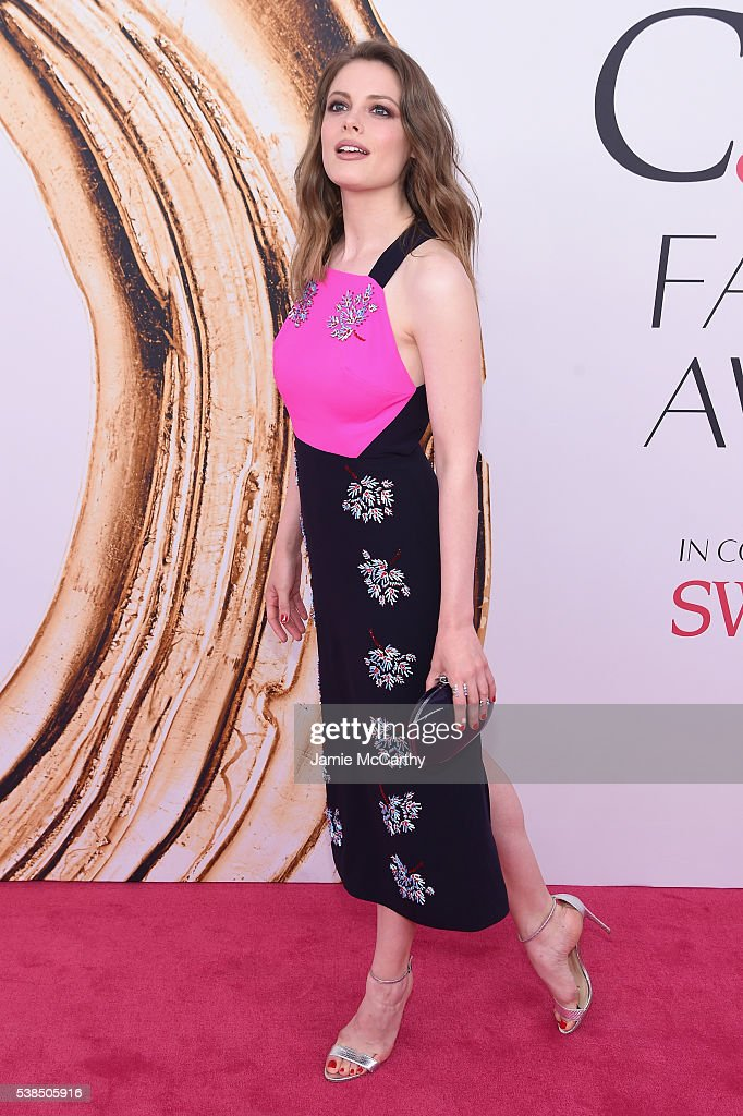 Gillian Jacobs attends the 2016 CFDA Fashion Awards at the Hammerstein Ballroom on June 6, 2016 in New York City.