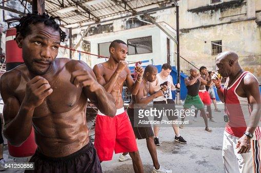 Gimnasio de boxeo rafael trejo stock photo getty images for Gimnasio de boxeo