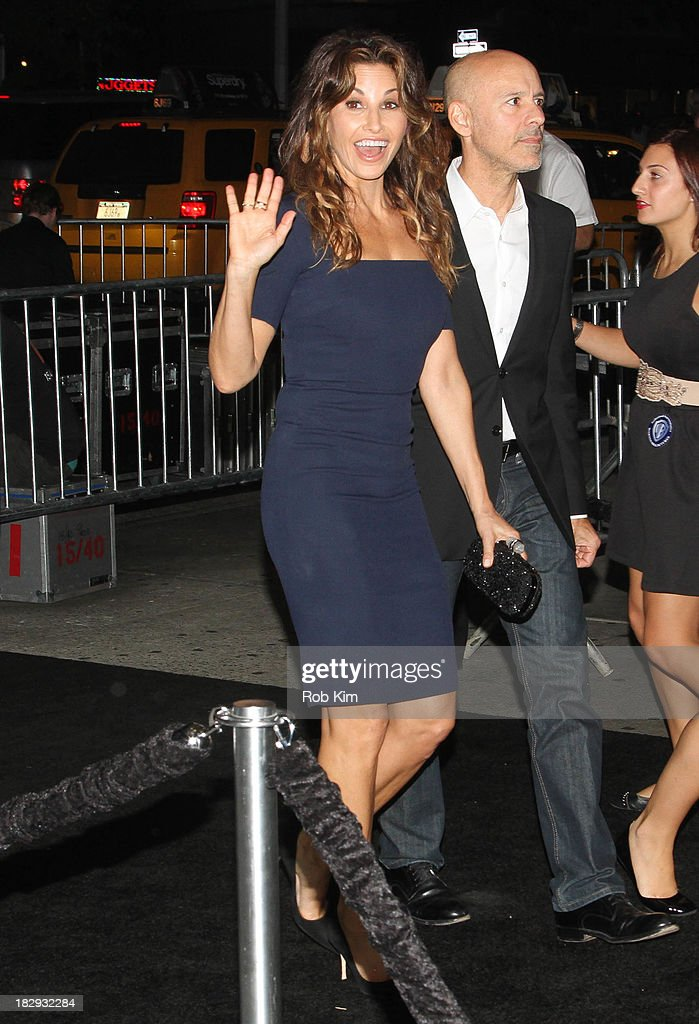 <a gi-track='captionPersonalityLinkClicked' href=/galleries/search?phrase=Gina+Gershon&family=editorial&specificpeople=203099 ng-click='$event.stopPropagation()'>Gina Gershon</a> arrives for the 'Gravity' premiere at AMC Lincoln Square Theater on October 1, 2013 in New York City.