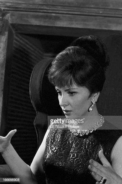 Gina Lollobrigida At Maxim'S In Paris For Christmas Eve Le 1er janvier 1963 à Paris portrait de l'actrice l 'actrice italienne Gina LOLLOBRIGIDA...