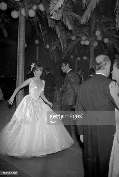 Gina Lollobrigida Dance of the Red Cross Monaco 1966 HA12625