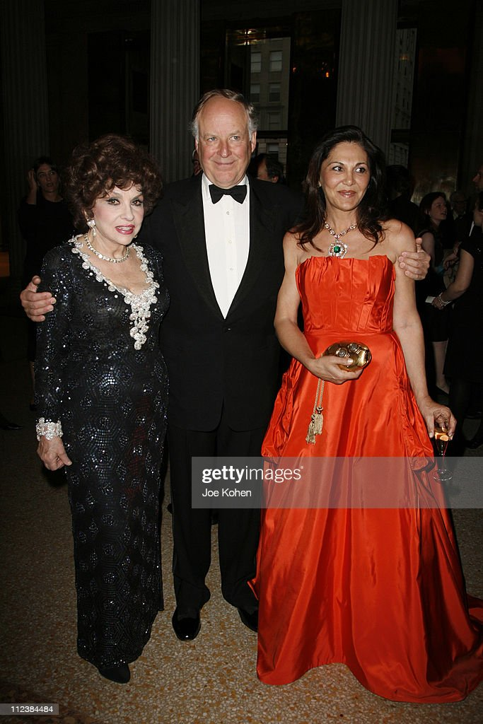 <a gi-track='captionPersonalityLinkClicked' href=/galleries/search?phrase=Gina+Lollobrigida&family=editorial&specificpeople=93465 ng-click='$event.stopPropagation()'>Gina Lollobrigida</a>, <a gi-track='captionPersonalityLinkClicked' href=/galleries/search?phrase=Nicola+Bulgari&family=editorial&specificpeople=575542 ng-click='$event.stopPropagation()'>Nicola Bulgari</a> and Beatrice Bulgari