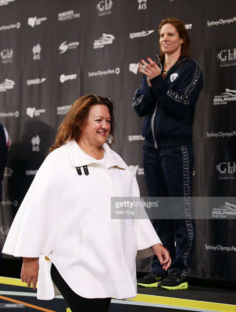 <a gi-track='captionPersonalityLinkClicked' href=/galleries/search?phrase=Gina+Rinehart&family=editorial&specificpeople=6657657 ng-click='$event.stopPropagation()'>Gina Rinehart</a> presents the medals for the Women's 200m Backstroke Final during day seven of the Australian National Swimming Championships at Sydney Olympic Park Aquatic Centre on April 9, 2015 in Sydney, Australia.