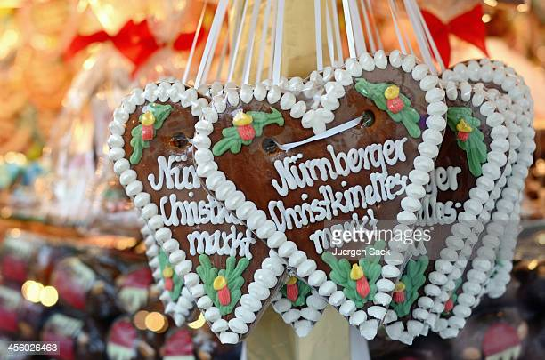 Gingerbread hearts with candies