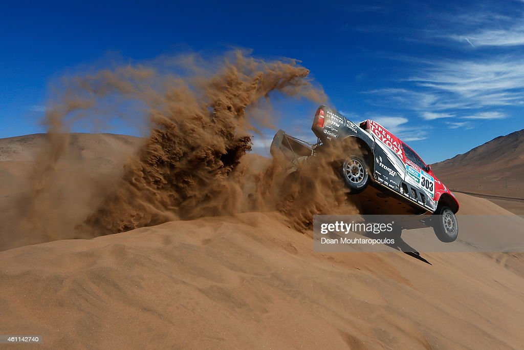 Giniel De Villiers of South Africa and Dirk Von Zitzewitz of Germany for Toyota Imperial Team South Africa in the Pick Up Hilux compete during day 4 of the Dakar Rallly on January 7, 2015 between Chilecito in Argentina to Copiapo, Chile.