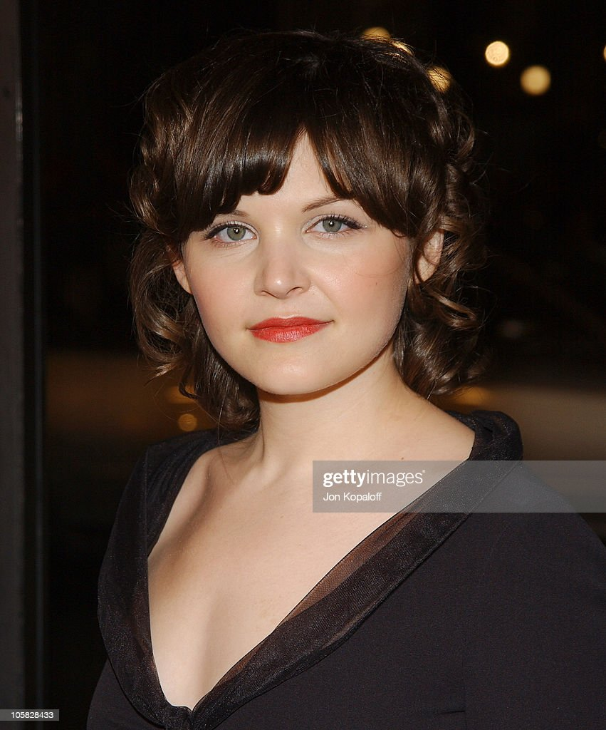 <a gi-track='captionPersonalityLinkClicked' href=/galleries/search?phrase=Ginnifer+Goodwin&family=editorial&specificpeople=215039 ng-click='$event.stopPropagation()'>Ginnifer Goodwin</a> during 'In Good Company' World Premiere - Arrivals at Grauman's Chinese Theater in Hollywood, California, United States.