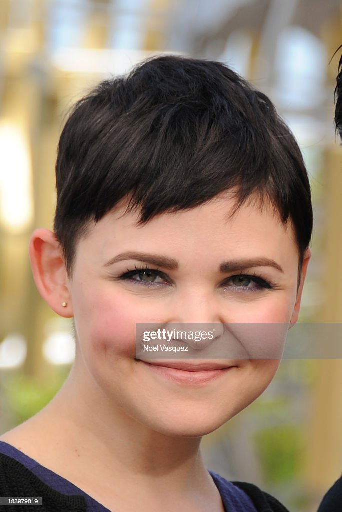 <a gi-track='captionPersonalityLinkClicked' href=/galleries/search?phrase=Ginnifer+Goodwin&family=editorial&specificpeople=215039 ng-click='$event.stopPropagation()'>Ginnifer Goodwin</a> visits 'Extra' at Universal Studios Hollywood on October 10, 2013 in Universal City, California.