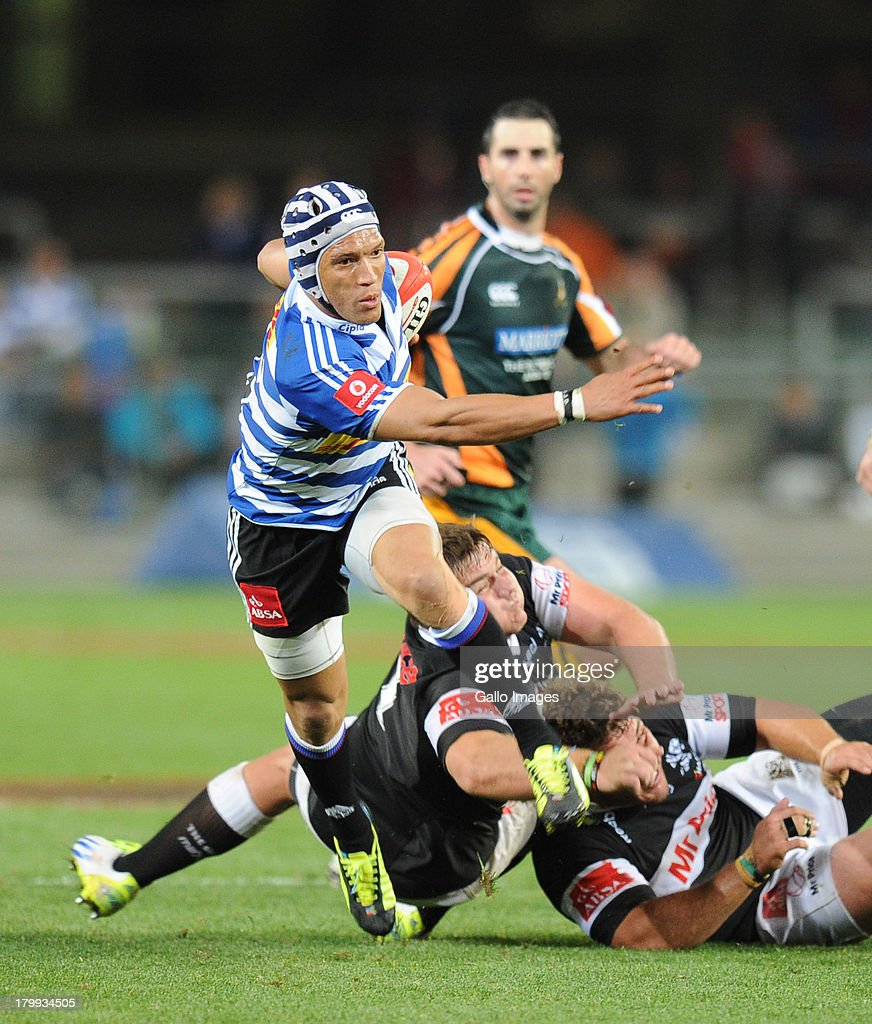 Gio Aplon of Western Province beats Danie Mienie of the Sharks during the Absa Currie Cup match between DHL Western Province and The Sharks from DHL...