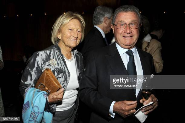 Gioietta Vitale and Alberto Vitale attend PARADE MAGAZINE and SI Newhouse Jr honor Walter Anderson at The 4 Seasons Grill Room on March 31 2009 in...