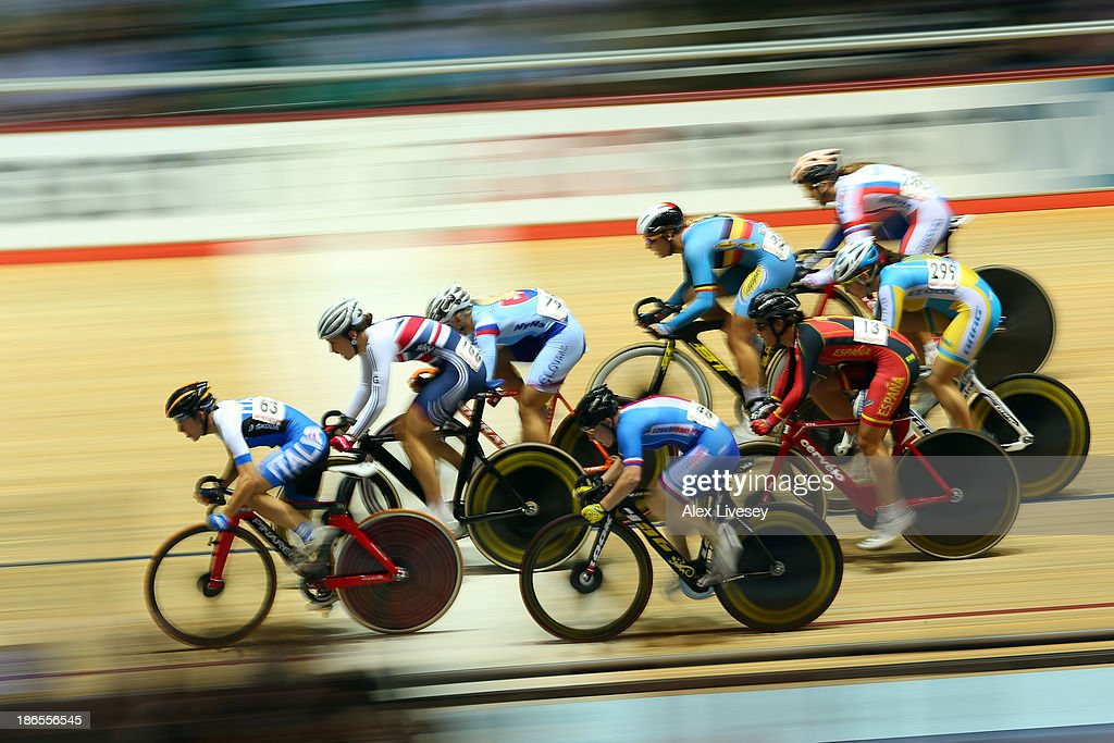 <a gi-track='captionPersonalityLinkClicked' href=/galleries/search?phrase=Giorgia+Bronzini&family=editorial&specificpeople=2501868 ng-click='$event.stopPropagation()'>Giorgia Bronzini</a> (L) of Italy and <a gi-track='captionPersonalityLinkClicked' href=/galleries/search?phrase=Dani+King+-+Cyclist&family=editorial&specificpeople=7505449 ng-click='$event.stopPropagation()'>Dani King</a> (2L) of Great Britain in action during the Women's Scratch 7.5km Race Qualifying round Heat 2 on day one of the UCI Track Cycling World Cup at Manchester Velodrome on November 1, 2013 in Manchester, England.