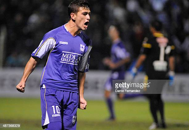 Giorgian De Arrascaeta of Defensor Sporting celebrates after scoring the opening goal during a second leg match between Defensor Sporting and The...
