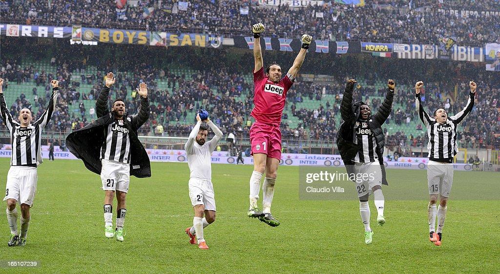 Giorgio Chellini, Fabio Quagliarella, Andrea Pirlo, Gianluigi Buffon, Kwadwo Asamoah and Andrea Barzagli of Juventus celebrate victory after the Serie A match between FC Internazionale Milano and Juventus FC at San Siro Stadium on March 30, 2013 in Milan, Italy.