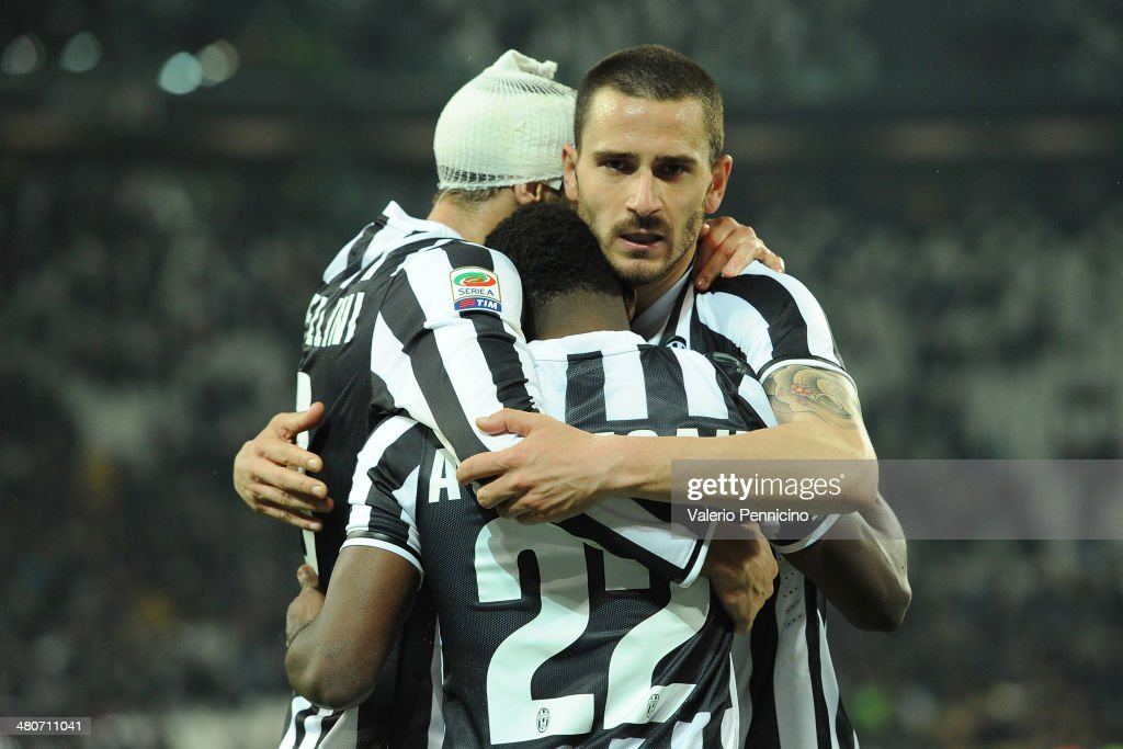 <a gi-track='captionPersonalityLinkClicked' href=/galleries/search?phrase=Giorgio+Chiellini&family=editorial&specificpeople=605793 ng-click='$event.stopPropagation()'>Giorgio Chiellini</a> (L), <a gi-track='captionPersonalityLinkClicked' href=/galleries/search?phrase=Kwadwo+Asamoah&family=editorial&specificpeople=4376914 ng-click='$event.stopPropagation()'>Kwadwo Asamoah</a> and <a gi-track='captionPersonalityLinkClicked' href=/galleries/search?phrase=Leonardo+Bonucci&family=editorial&specificpeople=6166090 ng-click='$event.stopPropagation()'>Leonardo Bonucci</a> of Juventus celebrate victory at the end of the serie A match between Juventus and Parma FC at Juventus Arena on March 26, 2014 in Turin, Italy.