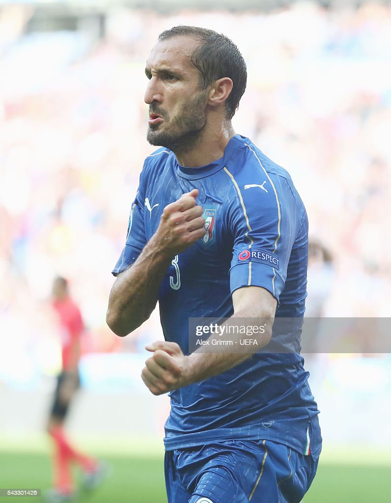 Giorgio Chiellini of Italy celebrates scoring the opening goal during the UEFA EURO 2016 round of 16 match between Italy and Spain at Stade de France on June 27, 2016 in Paris, France.