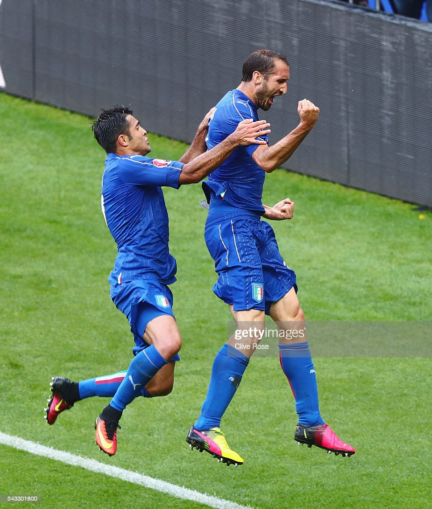 <a gi-track='captionPersonalityLinkClicked' href=/galleries/search?phrase=Giorgio+Chiellini&family=editorial&specificpeople=605793 ng-click='$event.stopPropagation()'>Giorgio Chiellini</a> (R) of Italy celebrates scoring with Eder after scoring the opening goal with his team mate Eder (L) during the UEFA EURO 2016 round of 16 match between Italy and Spain at Stade de France on June 27, 2016 in Paris, France.