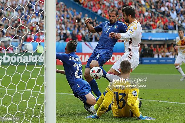 Giorgio Chiellini of Italy scores a goal to make the score 10 during the UEFA Euro 2016 Round of 16 match between Italy and Spain at Stade de France...
