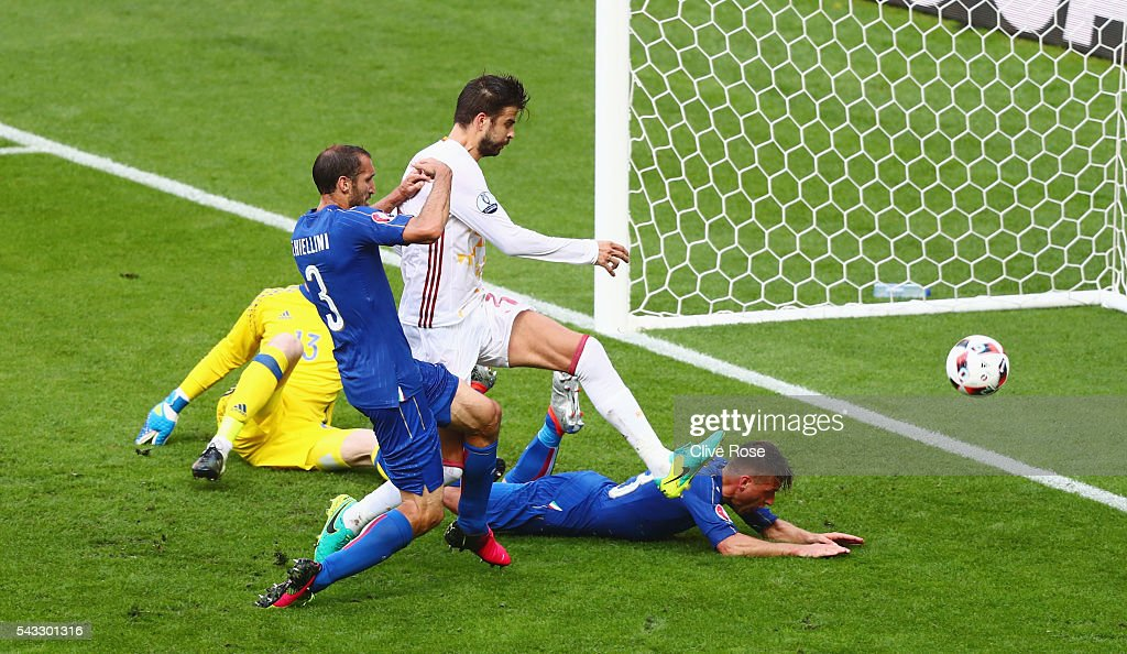 <a gi-track='captionPersonalityLinkClicked' href=/galleries/search?phrase=Giorgio+Chiellini&family=editorial&specificpeople=605793 ng-click='$event.stopPropagation()'>Giorgio Chiellini</a> (2nd L) of Italy scores the opening goal during the UEFA EURO 2016 round of 16 match between Italy and Spain at Stade de France on June 27, 2016 in Paris, France.