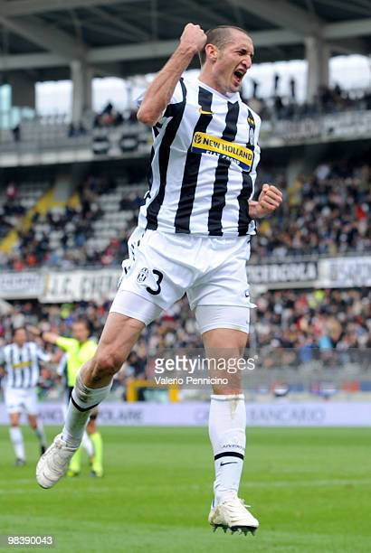 Giorgio Chiellini of Juventus FC celebrates his goal during the Serie A match between Juventus FC and Cagliari Calcio at Stadio Olimpico on April 11...