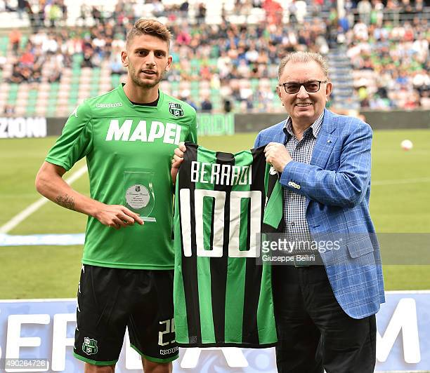 Giorgio Squinzi Patron of Sassuolo rewards Domenico Berardi for 100 appearances for the Sassuolo before the Serie A match between US Sassuolo Calcio...