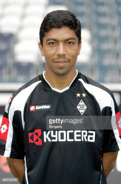 Giovane Elber poses during the team presentation of Borussia Monchengladbach for the Bundesliga season 2005 2006 on July 7 2005 in Monchengladbach...