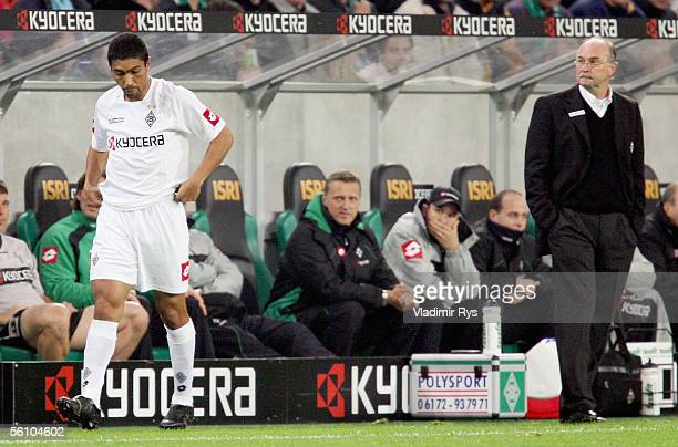 Giovane Elber prepares for substitiution as his coach Horst Koppel of Gladbach looks on during the Bundesliga match between Borussia Monchengladbach...