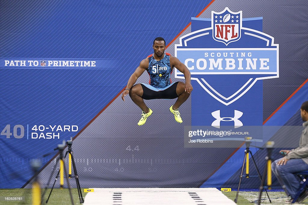 Giovani Bernard of North Carolina gets ready to run the 40-yard dash during the 2013 NFL Combine at Lucas Oil Stadium on February 24, 2013 in Indianapolis, Indiana.