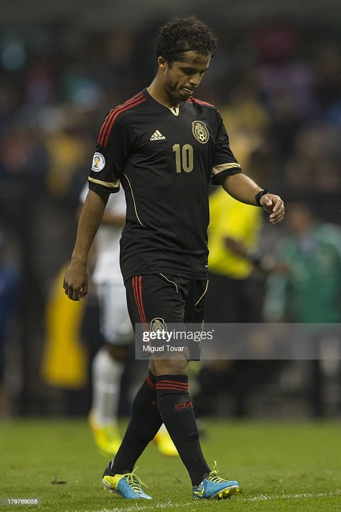 Giovani Dos Santos reacts after losing against Honduras during a match between Mexico and Honduras as part of the 15th round of the South American Qualifiers at Azteca Stadium on September 06, 2013 in Mexico City, Mexico.