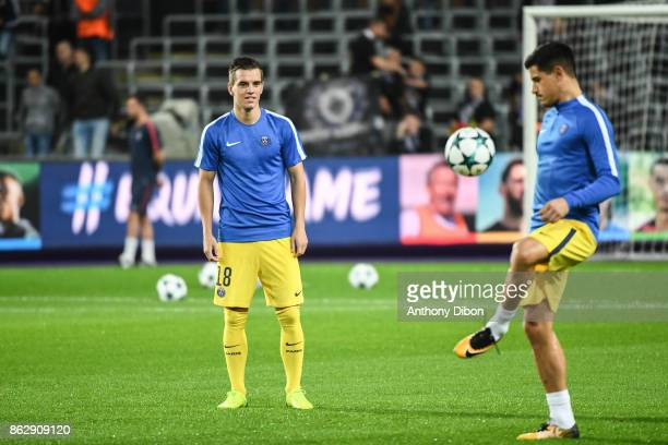 Giovani Lo Celso and Yuri Berchiche of PSG during the UEFA Champions League match between RSC Anderlecht and Paris SaintGermain at Constant Vanden...